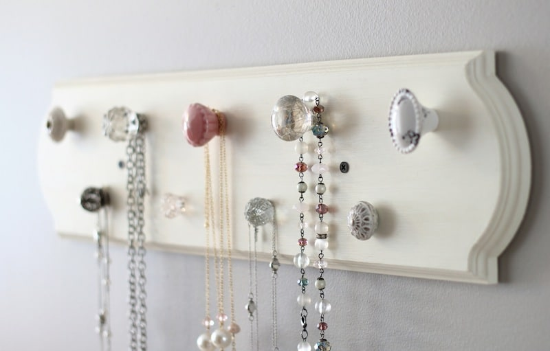 make-your-own-necklace-organizer-_-eight
