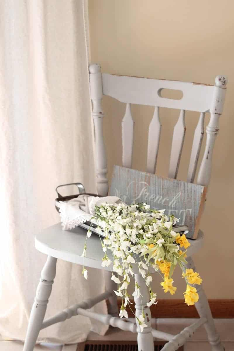 A coat of Rustoleum chalk paint transformed this thrift store find into a piece that fits in great with a farmhouse style home