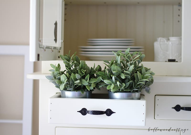 close up - how to style a hutch