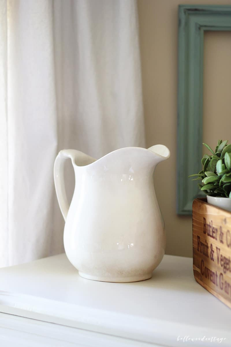 I'm sharing my favorites from the week including an ironstone pitcher (my first ironstone find!), a new blog I'm loving, and a fall treat I can't resist.