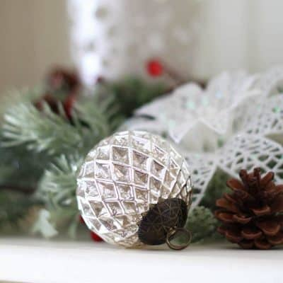 I'm sharing some of my Christmas favorites today including the best sugar cookie recipe I've stumbled upon, some vintage ornaments, and a word of encouragement! | from Bellewood Cottage |