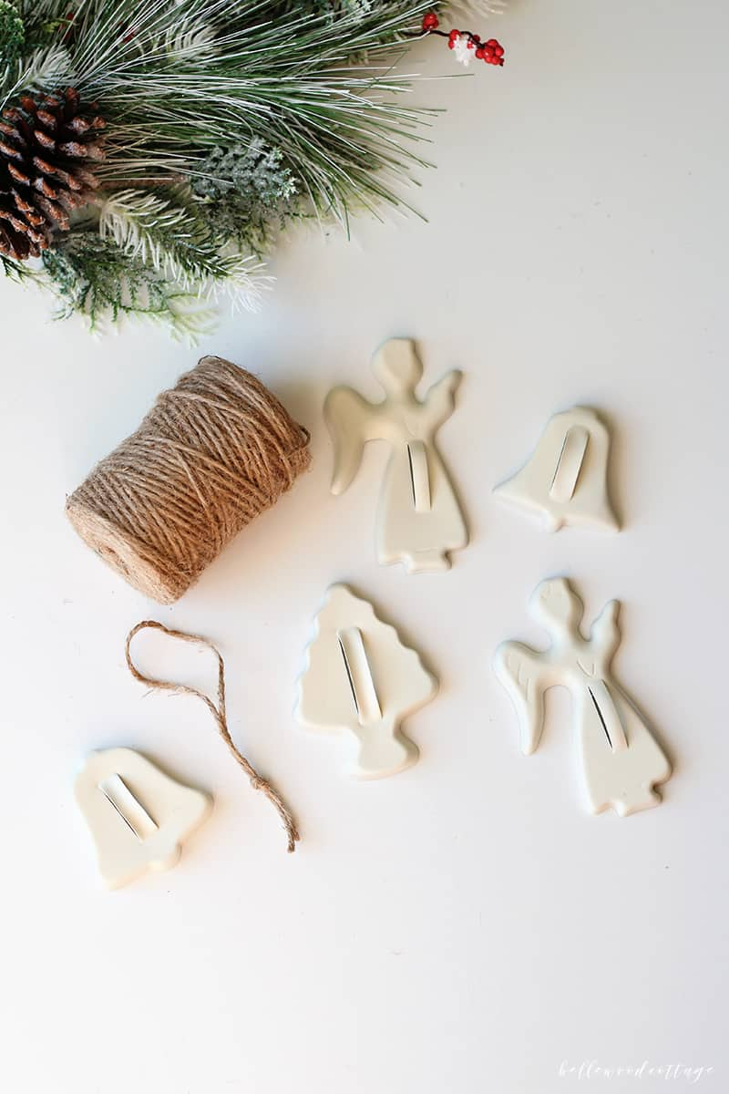 If you love DIY Christmas ornaments as much as I do, then you'll love this quick DIY that uses vintage cookie cutters and spray paint to create pretty farmhouse style Christmas ornaments. A tutorial from Bellewood Cottage.