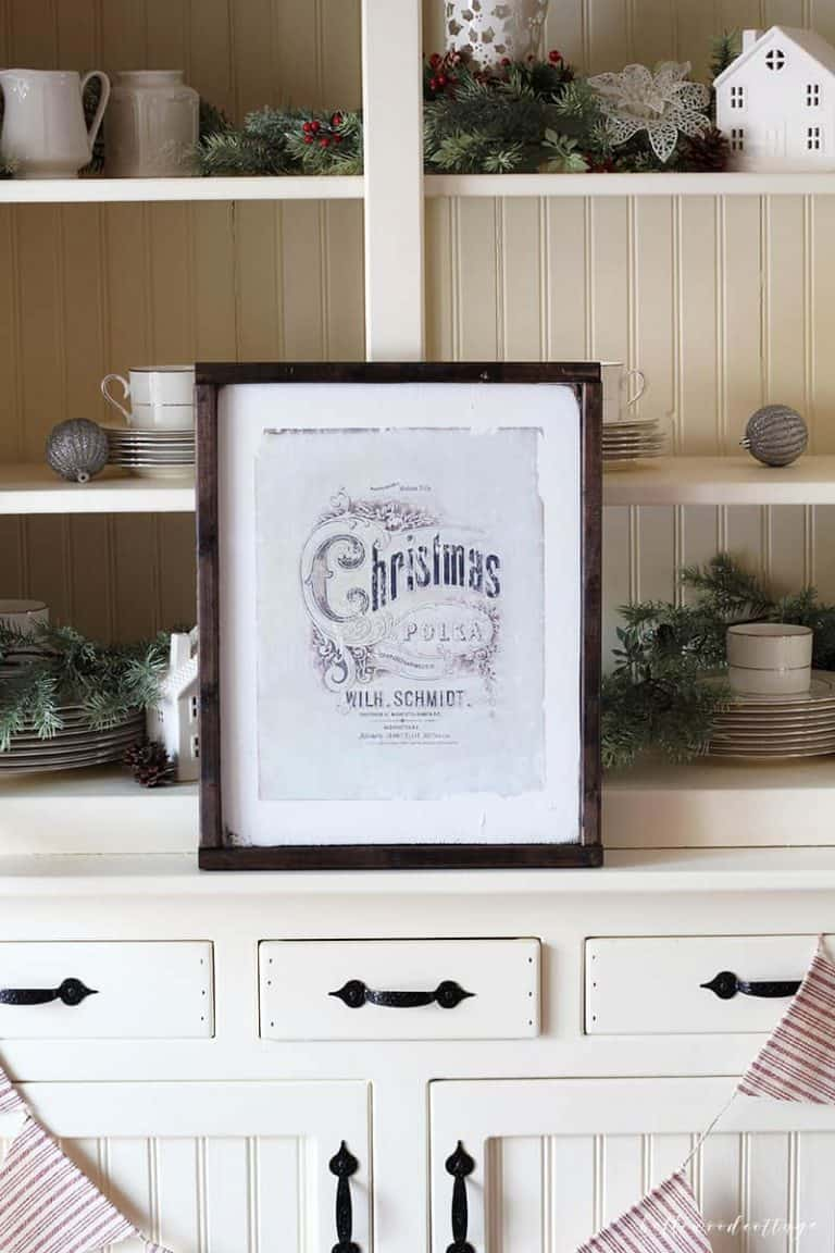 How to DIY Christmas Wall Art