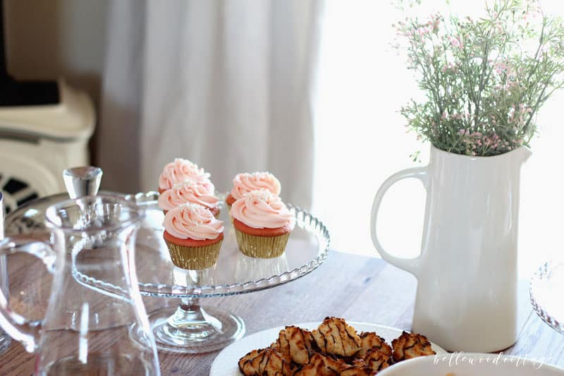Hosting a baby shower for a friend is always fun, but it can be overwhelming too! Today on the blog I'm sharing 15 of my top tips for how to host a stress free baby shower. Yep, it's totally doable! Check it out at BellewoodCottage.com.