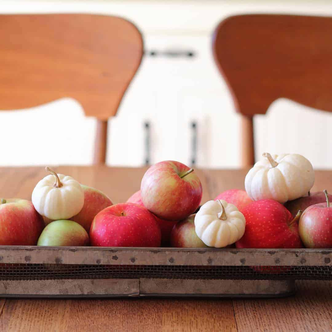 Let's chat about keeping our decor simple and low-budget this fall. Visit me at Bellewood Cottage while I share 5 ways to decorate for fall on a budget!