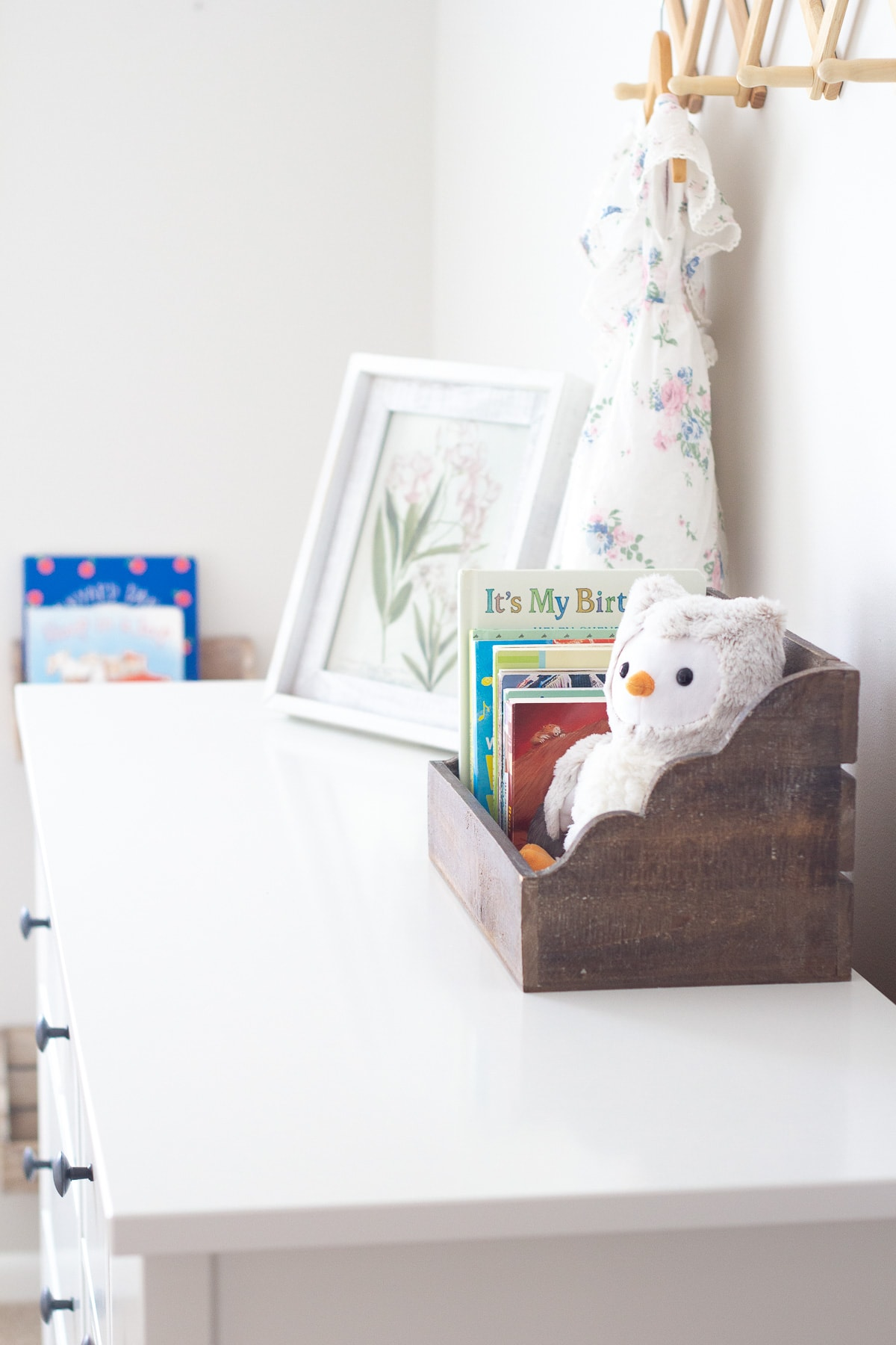 How to store kids books in a simple wooden crate.
