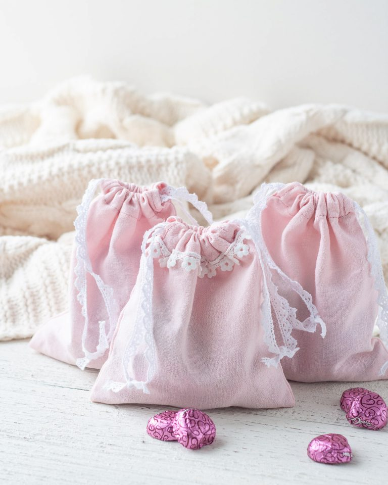 Sew These Easy Valentine's Day DIY Gift Bags!