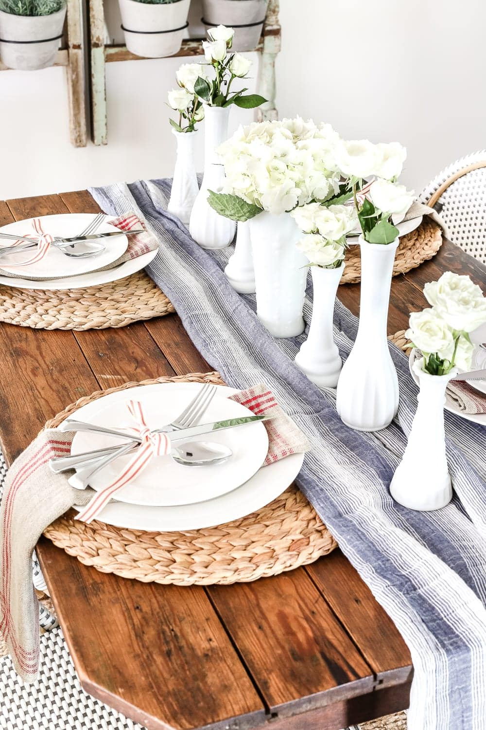 A rustic farmhouse style patriotic table setting.